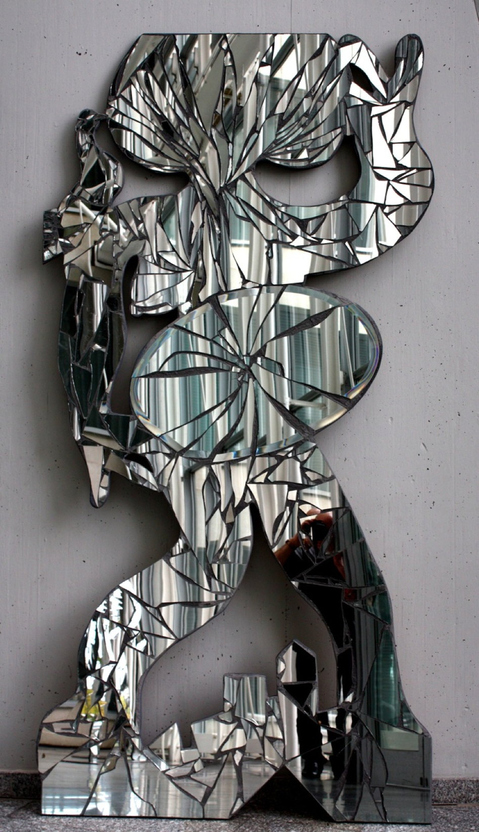 L´ora 2012, Shattered Mirrors on wood panel, 250 x 125 x 5 cm